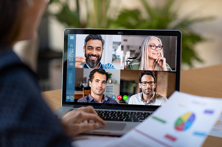 RESIZE-smart-working-and-video-conference-QA8LHP6